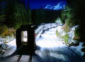 Preview_us-train-at-night-in-snow