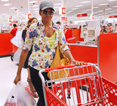 Preview_mrs_obama_shopping_at_target2_110929