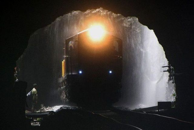 Page_beautiful_railroad_track_ever_photos1
